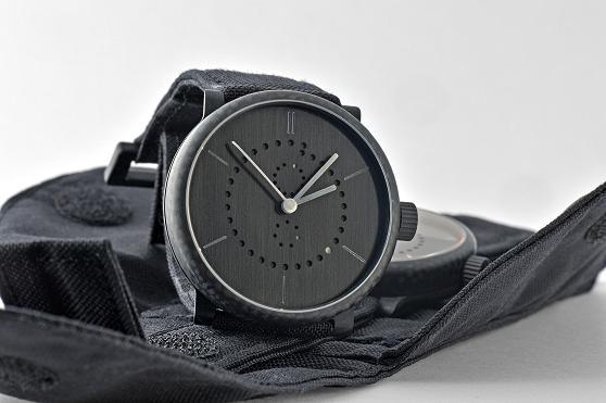 Carbon-Uhr