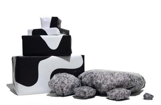 Geschenkpapier-Kuh-und-Stein