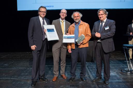 Siegerehrung des Medtech Awards 2012 (v..l.n.r.): Prof. Dr. Lutz Nolte, Dr. Martin Leonhard, Prof. Dr. Martin Frenz und Prof. Dr. Beda M. Stadler.
