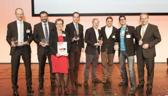 """Die Swiss ICT Award 2013 Gewinner: Manuel Grenacher, Marco Marchesi, Zühlke Engineering, Starmind, dacadoo und die Parlamentarische Gruppe """"digitale Nachhaltigkeit"""""""